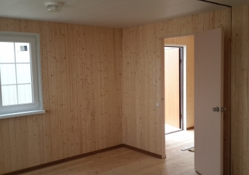 Модульная дача вид с комнаты на тамбур