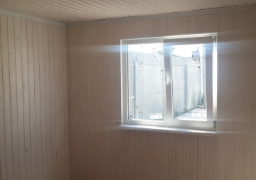 Окно из комнаты