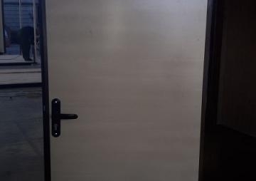 Дверь в БК