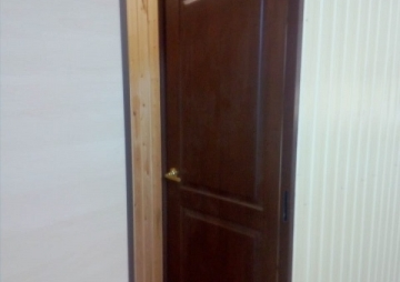 Дверь в бытовке